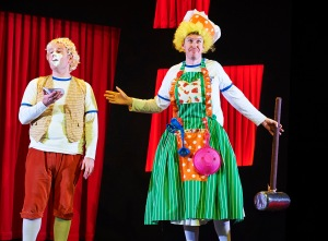 Potted Panto Garrick Theatre CREDIT Geraint Lewis